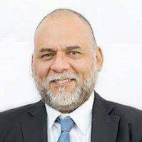 Dr. Estuardo Navas
